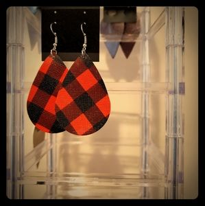 Plaid faux leather earrings. NEW